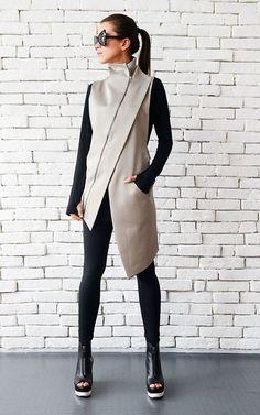 Beige Elegant Zipper Vest/Asymmetric Casual Long Top/Extravagant Dinner Tunic/Sleeveless Beige Coat/Beige Collar Shirt/Office Shirt Top - Shirt Casuals - Ideas of Shirt Casual - Ärmelloser Mantel, Mantel Beige, Look Fashion, Womens Fashion, Fashion Design, Fashion Trends, Dame Chic, Bluse Outfit, Pants Outfit