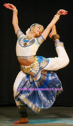 Google Image Result for http://bharatanatyam728.files.wordpress.com/2009/03/bharatanatyam_0129.jpg