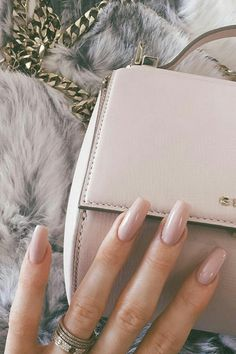 Kylie Jenner with gorgeous nude nails inspiration. #beauty #kingkylie #kyliejenner #nails #nudenails #fabfashionfix