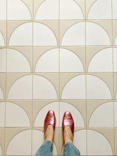 Oh hello there tile of my dreams. Our hand painted floors are all done in the kitchen and Im . Tile is Fallow in the White Motif. Vinyl Flooring, Kitchen Flooring, Kitchen Tile, Kitchen Reno, Flooring Ideas, Bathroom Flooring, Kitchen Design, Rental Kitchen Makeover, Image Deco