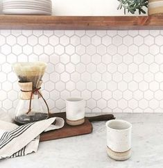 4 Talented Cool Tips: Backsplash Diy Bar Tops backsplash alternatives.Subway Tile Backsplash Patterns peel and stick backsplash for bathroom.Peel And Stick Backsplash For Bathroom. Backsplash Herringbone, Hexagon Backsplash, Hexagon Tiles, Backsplash Design, Honeycomb Tile, Beadboard Backsplash, Backsplash Arabesque, Granite Backsplash, Kitchen Interior