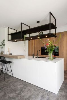 Kitchen kitchen and decor ideas for all of your dream kitchen needs. Modern kitchen inspiration at its finest. Küchen Design, House Design, Interior Design, Design Ideas, Interior Ideas, Design Trends, Rustic Kitchen Design, Kitchen Layout, Kitchen On A Budget