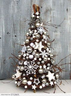36 Ideas For White Christmas Tree Ornaments Kerst Diy Christmas Tree, Rustic Christmas, Xmas Tree, Christmas Projects, Winter Christmas, Christmas Wreaths, Christmas Ornaments, White Ornaments, Natural Christmas