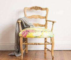 """609 Me gusta, 67 comentarios - litta (@litta_muebles) en Instagram: """"Enamorados de este sillón provenzal tapizado en pana estampada que la rompee!!! 🔝💣💕💕. Ideal para…"""""""