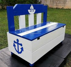 The pallets are painted white and blue, so it is a good theme for the boy's room and if someone wants to color the reclaimed wood pallet toy chest cum bench for the girl's room; then the pink color can be selected.