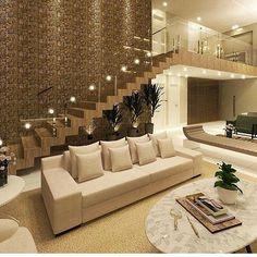 Sala marrom e bege!  @construindominhacasaclean Veja + no blog www.construindominhacasaclean.com Inscreva-se no canal do youtube TV Casa Clean (link na bio) #blog #construindominhacasaclean #decor #decoracao #design  #interiordesign #interior #casa #instadecor #lovedecor #instablogger #digitalinfluencer #casaclean #minhacasaclean #casacleanpro #home #inspiracao #organizacao #diy #inspiration #iluminação #dica #ideias #consultoria #arquitetura #architecture #interiores #luxo #sala #living
