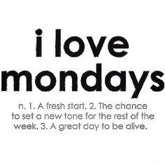 Who loves Mondays like me??? Happy Monday!