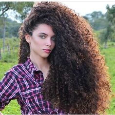 Zodiac sign Leo I presume. Very Long Hair, Long Curly Hair, Big Hair, Curly Hair Styles, Natural Hair Styles, Beautiful Long Hair, Gorgeous Hair, Permed Hairstyles, Straight Hairstyles