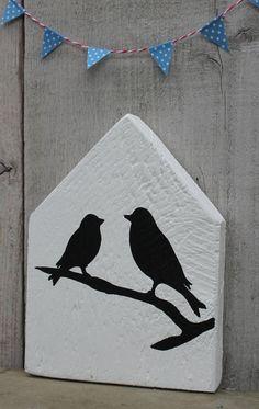 Wooden house with birds by Lijstjesenzo on Etsy