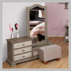 Girls dressing table design ideas for kids bedroom interior 2018 Creative idea book for Girl's dressing table designs and ideas for kid's room , Kid's dressing table types, prices, materials and organization tips according to the girl age. Kids Dressing Table, Dressing Table Organisation, Dressing Table Design, Dresser As Nightstand, Dressers, Interiores Design, Girls Bedroom, Furniture Design, Room Decor