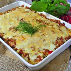 Zapiekanka z ryżu i mięsa mielonego - przepis na obiad Tzatziki, Recipe Images, Cheeseburger Chowder, Lasagna, Mashed Potatoes, Macaroni And Cheese, Food And Drink, Soup, Ethnic Recipes