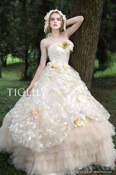 ウェディングドレス、ウエディングドレス、カラードレス、お花、シャンパン、レース