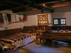 muzeul satului bucovinean suceava Survival Life, Traditional House, Decoration, Romania, Interior Design, Cottages, Home Decor, History, Watch
