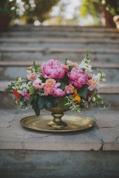 Malibu beach wedding Floral centerpiece pink peonies and brass Beach Centerpieces, Peonies Centerpiece, Flower Vases, Tall Centerpiece, Centerpiece Wedding, Wedding Table, Wedding Decorations, Wedding Arrangements, Floral Arrangements