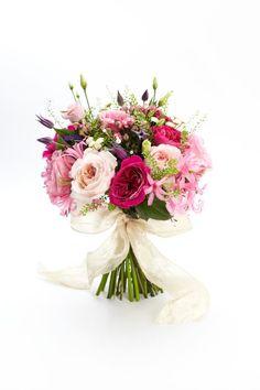 Lookbook: wedding bouquet ideas http://www.weddingandweddingflowers.co.uk/article.php?id=400