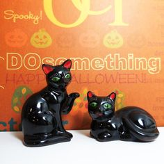 SOLD Vintage Beckoning Black Cat - Salt and Pepper Shakers - Shafford Redware Japan