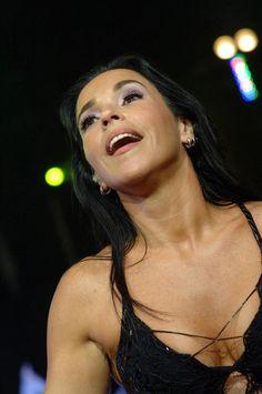 Daniela Mercury - cantora, compositora, dançarina, produtora, atriz e apresentadora de televisão