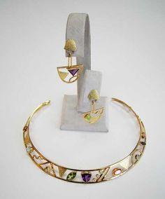 Gold earrings and necklace by Hannelore Gabriel Chandelier Earrings, Gold Earrings, Artisan Jewelry, Handmade Jewelry, Soldering Jewelry, Gabriel, Necklaces, Bracelets, Pendants