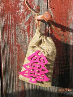 Set of 25 Rustic Nubby Burlap Christmas Wedding by PrinceSnowFarm, $50.00  Great for wrapped baked goods