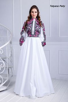 Вишита сукня Б'янка - 13800 грн Stylish Work Outfits, Stylish Dresses For Girls, Indian Gowns Dresses, African Fashion Dresses, Hijab Evening Dress, Evening Dresses, Stunning Dresses, Elegant Dresses, Frock Fashion