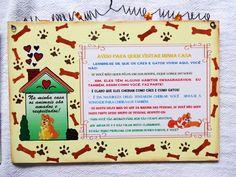 """Placa decorativa """"Amamos os animais"""" confeccionada em MDF sendo utilizado as técnicas, decoupagem, aplicação de stencil, sombreamento com tinta acrílica e envernizado com verniz especial. <br> <br>Esta plaquinha foi elaborada para ser pendurada na parede através de uma alça de arame que está delicadamente decorada com pequenas estrelinhas amarelas. <br> <br>Esta bela placa decorativa transmite uma mensagem de respeito e tolerância com sutileza e criatividade, levando os visitantes de sua…"""