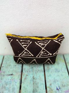 An upcycled tribal textiles fabric off-cut purse Textile Fabrics, Home Textile, Small Coin Purse, Fabric Purses, Fabric Remnants, African Design, Summer Bags, Bold Colors, Upcycle
