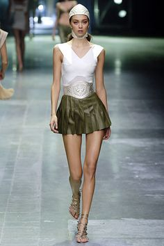 Alexander McQueen | Spring 2006 Ready-to-Wear Collection | Style.com