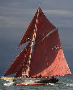 Jolie Brise , gaff-rigged Pilot Cutter, 1913 Photo by Roger McCallum Yacht Endeavour photo by Michael Kahn Am.