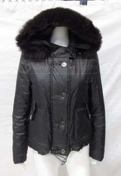 Look great and help others achieve independence with this Burberry Women's Coat! Auction ends February 17 at 7:45 p.m. MT!