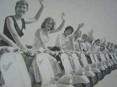 Vespa girls, 1953