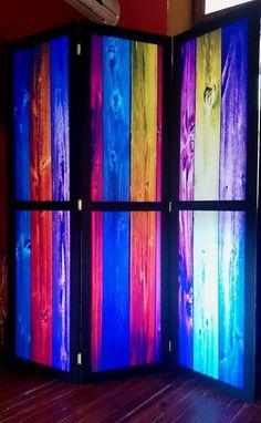 Biombo - Moderno - Decorativo Biombo de tres cuerpos realizado en marco de madera con sofisticados y exclusivos diseños.     Medida: Alto 1,80 mts. Ancho por hoja: 0,50 cms. (cada una)  https://www.facebook.com/mibiomboestubiombo/timeline