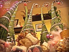 A grincsek itt születtek: JÁDE Virág & Dekor #grincs #grincsfa #grinch #grinchtree #karácsony #karácsonyfa #manófa #tündérfa #christmas #JádeVirág #xmas #cute #cuki