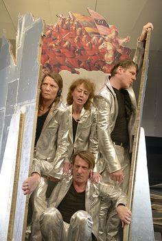 Die Schutzbefohlenen / Photo credit: Bettina Stöß / #staatstheatersaarland