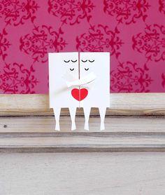 Couple Valentine sur une étagère | Digitprop - la conception de papier