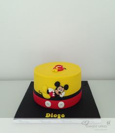 Mickey - Cake by simple cakes - Mara Paredes