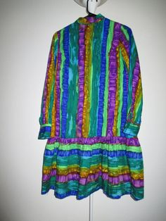 Colorful and Fun 1960s Tres Petite of Dallas by JezaboosCloset