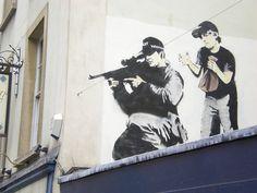 Great collection of Banksy Graffiti Drawings. Great collection of Banksy Graffiti Drawings. 3d Street Art, Street Art Banksy, Street Artists, Banksy Graffiti, Banksy Work, Bansky, Graffiti Drawing, Pop Art, Art Mural