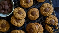 Peanut butter cookies with oats and dark chocolate