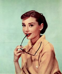 Happy 85th birthday to Audrey Hepburn! to the most beautiful woman and actress that has ever lived....