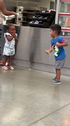 Some Funny Videos, Feel Good Videos, Cute Funny Baby Videos, Cute Funny Babies, Funny Videos For Kids, Funny Video Memes, Funny Short Videos, Really Funny Memes, Funny Vidos