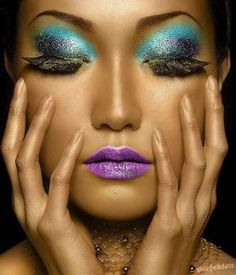 Im doing this mermaid look for Halloween!!