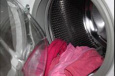 Iată cum poate fi curățată rapid și ușor mașina de spălat rufe – Nu este nevoie să mai folosești soluție anti-calar. Mașinile de spălat rufe cu încărcătură frontală sunt eficiente din punct de vedere energetic și folosesc mai puțin detergent decât cele cu încărcare superioară. Cu toate acestea, uneori pot păstra mucegaiul și mirosurile neplăcute… …