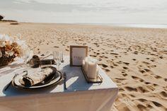Mariage au Bassin d'Arcachon - Shooting d'inspiration • Sparkly Agency Sun Lounger, Wedding Table, Inspiration, Outdoor Decor, Articles, Wedding Dinner, Organization, D Day, Biblical Inspiration