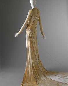 Wedding ensemble Madeleine Vionnet  (French, Chilleurs-aux-Bois 1876–1975 Paris)   Date: 1929 Culture: French Medium: silk. Back