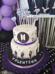 Army Birthday Cakes, Army's Birthday, Pretty Birthday Cakes, Army Cake, Bts Cake, Pastel Cakes, Bts Birthdays, Dream Cake, Cute Desserts