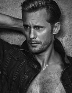 Alexander Skarsgard Is Wet & Sexy on Italian 'Vanity Fair' Cover: Photo Alexander Skarsgard looks super sexy in a wet t-shirt while on the June 2016 cover of Vanity Fair Italy, on newsstands now. The Legend of Tarzan star… Skarsgard Brothers, Skarsgard Family, Alexander Skarsgard Tarzan, Eric Zimmerman, Gorgeous Men, Beautiful People, Pretty Men, Hello Gorgeous, Pretty Boys