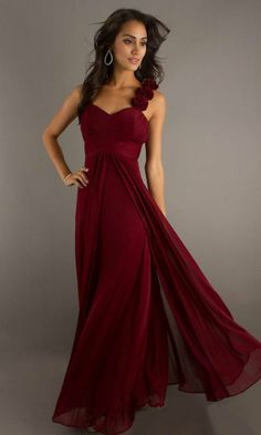 Shop long formal dresses and formal evening gowns at Simply Dresses. Women's formal dresses, long evening gowns, floor-length affordable evening dresses, and special-occasion formal dresses. Cheap Evening Gowns, Evening Dresses, Prom Dresses, Dress Prom, Dress Long, Party Dress, Corset Dresses, Evening Attire, Pageant Gowns