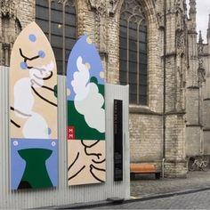 Mara Piccione, illustrator/vormgever en ontwerper/zeefdrukker. De wijdverspreide posters, kunstkaarten en elpeehoezen van Piccione laten zich makkelijk herkennen door de sterke composities, gestileerde vormen, krachtige vlakken en het toepassen van twee of drie kleuren; een stijl die zichtbaar zijn oorsprong vindt in het gebruik van zeefdruktechniek. 'Blind Walls', Grote kerk Breda, NL. Contemporary Artists, Bookends, Poster, Home Decor, Decoration Home, Room Decor, Home Interior Design, Billboard, Home Decoration