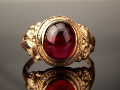 Cabochon Ruby Gold Ring in 9k Gold dated 1976 by BelmontandBellamy