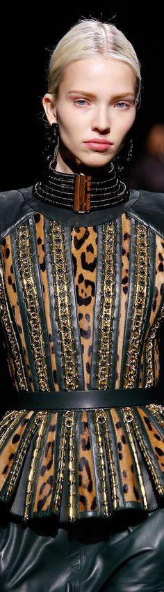 Esta temporada otoño-invierno 2014/15 no temas entrarle al animal print, pues el leopardo y la vívora ¡están con todo! Encuentra lo más trendy de la moda en Linio http://www.linio.com.mx/moda/?utm_source=pinterest&utm_medium=socialmedia&utm_campaign=MEX_pinterest___fashion_animalprintbalmain_20141016_17&wt_sm=mx.socialmedia.pinterest.MEX_timeline_____fashion_20141016animalprintbalmain17.-.fashion